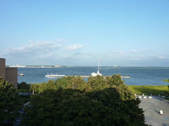 Harbourview Inn: View from 401