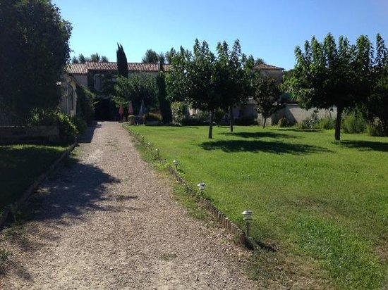 Au Relais Saint Georges: Le jardin