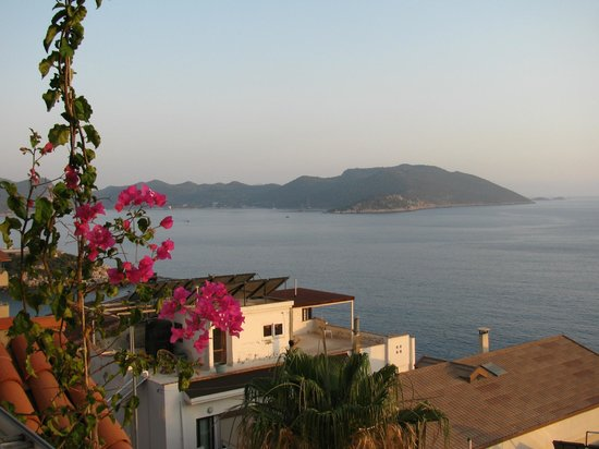 Hotel Kayahan: View over the peninsula from the terrace at happy hour