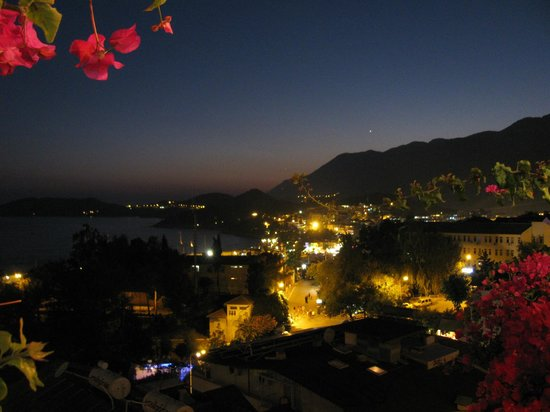 Hotel Kayahan: View over town from the terrace at night