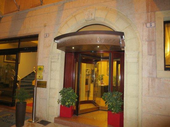 Giulietta e Romeo Hotel: l'ingresso molto elegante