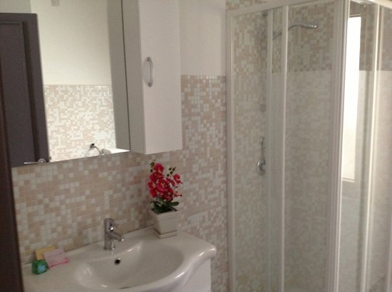 B&B Enna Inn Centro : Bathroom