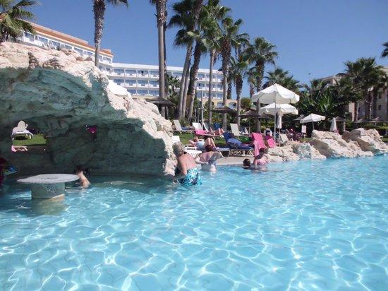 St. George Hotel: The pool