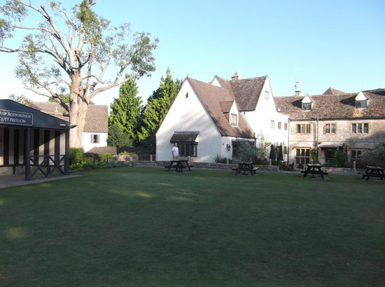 The Bear of Rodborough Hotel: View from Hotel Garden