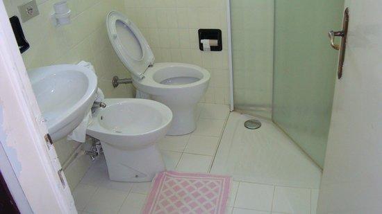 Hotel Jadran: doccia