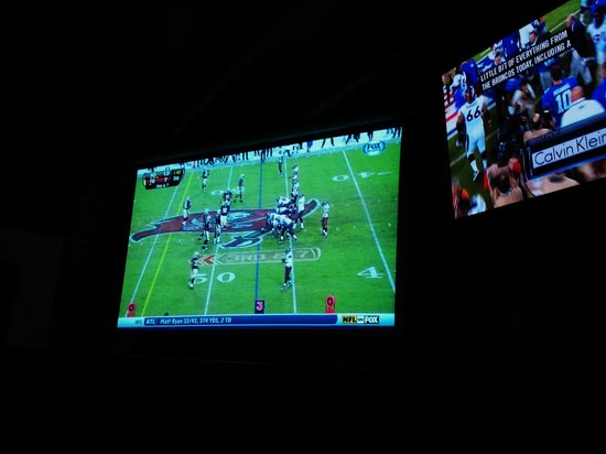 Wild Wing Cafe: Great HD Televeisions