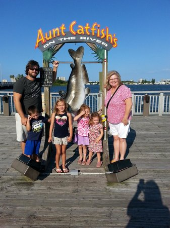 Fun Family Outing at Aunt Catfish's!!