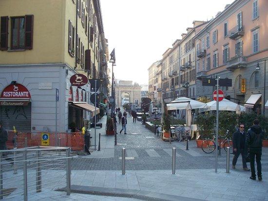 Una delle fontane foto di corso como milano tripadvisor for Corso arredatore d interni milano