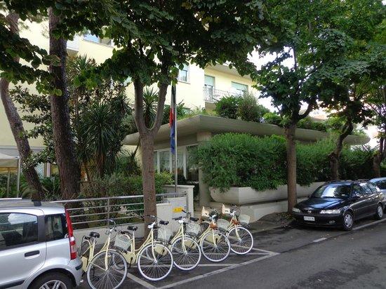 Hotel Sylvia: Esterno