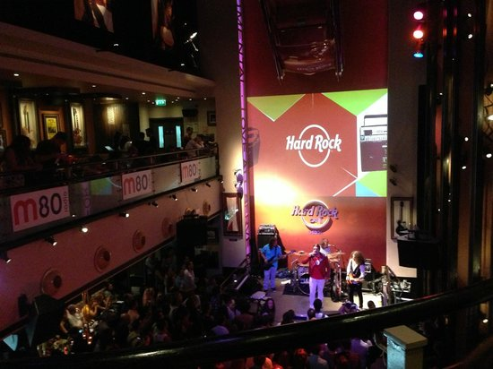 insegna picture of hard rock cafe lisbon tripadvisor. Black Bedroom Furniture Sets. Home Design Ideas