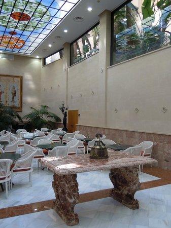 Hotel Continental : Salle principale