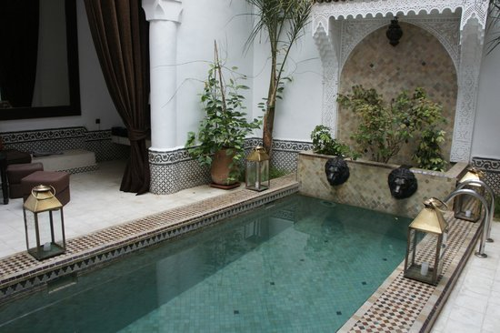 Riad Dar Saad : piscine et patio