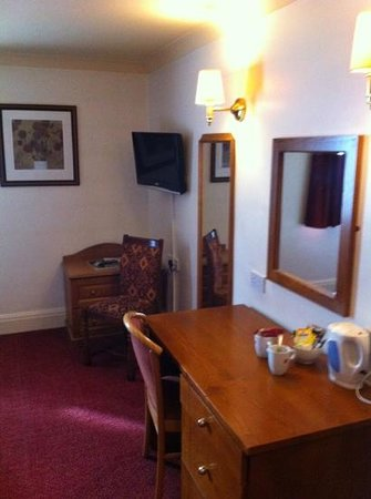 Fieldhead Hotel: Clean and tidy room 2