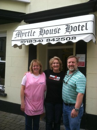 Myrtle House Hotel : With Jan outside the hotel