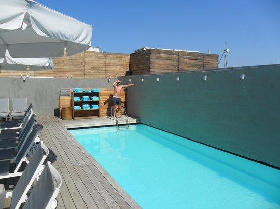 Fresh Hotel: piscine hotel
