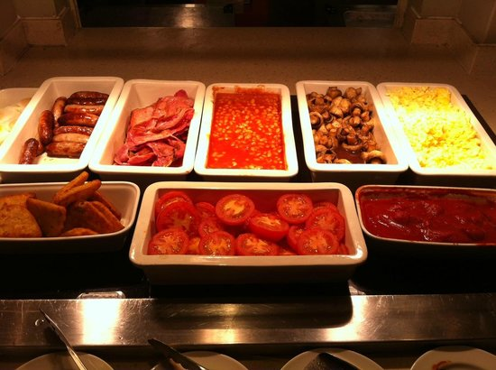 Premier Inn London Victoria Hotel : buffet