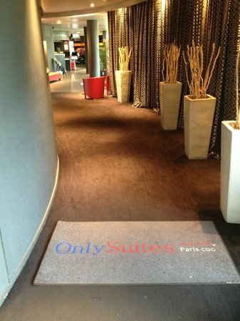 Quality Only Suites CDG Airport: réception