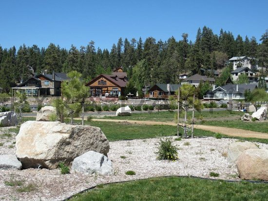 Big Bear Lake, CA: This is the park below with a background of the nearby houses