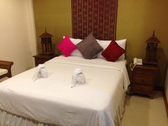 Lullaby Inn: Bed