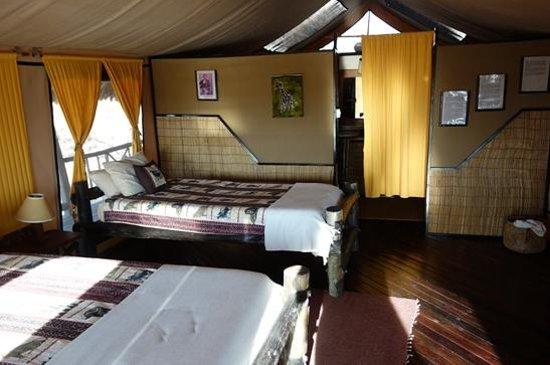 Stanley's Kopje Camp : Stanlye's Kopje - Interior of Tent