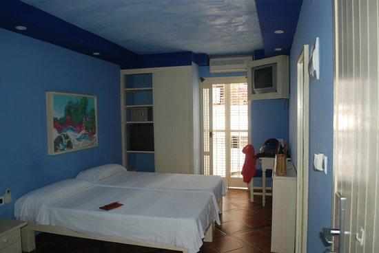 Hotel La Marina: camera