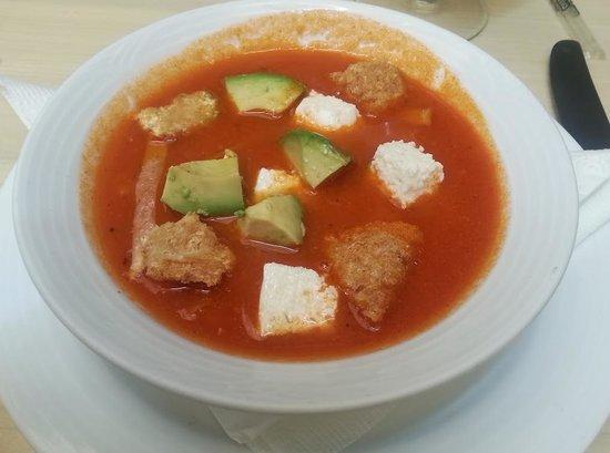 La Catrina: Tortilla soup