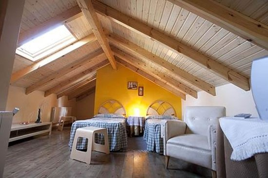 Caboalles de Abajo, Spagna: Habitación abuhardillada