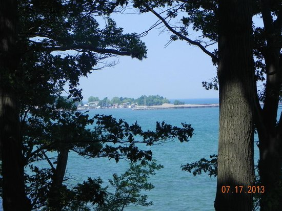 Westfield / Lake Erie KOA: View of lake Erie from Ottoway Park across from KOA