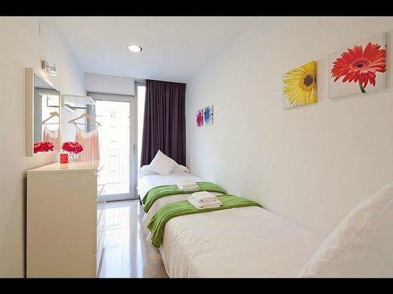 Charmsuites Avenida Parallel: Charmsuites Paralel Apartments
