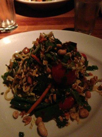 Hillstone Restaurant : salade noodles boeuf