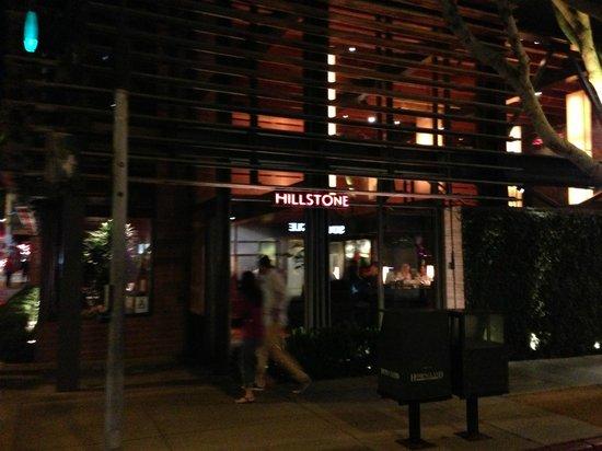Hillstone Restaurant : devanture