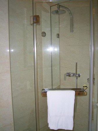 Hotel Nikko Shanghai: シャワーブース
