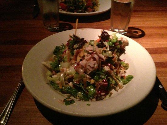 Hillstone Restaurant : salade poulet