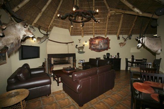 Mountain Dew Guest House : Entertainment and dining area