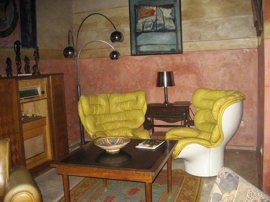 Riad Malika : Vintage furniture