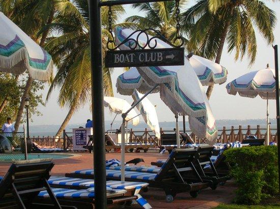 Cidade de Goa: Зона бассейна
