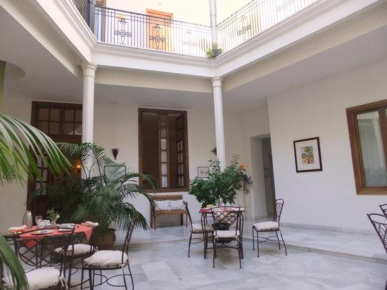Casa Grande : central courtyard