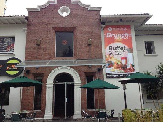 Metro Cafe : Fachada exterior restaurante Orellana y Rábida