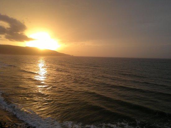 Hotel New-Beach : un merveilleu coucher de soleil