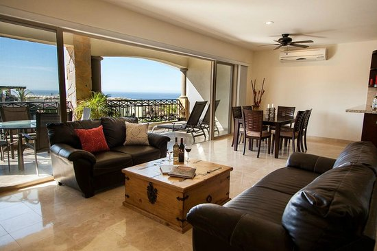Ventanas Hotel & Residences: Living area
