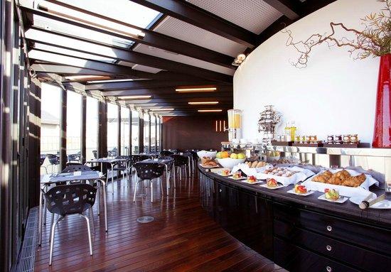 Hotel Cram: Café da Manhã