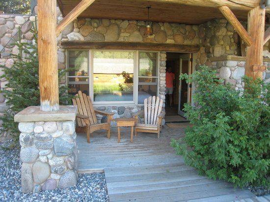 Rainbow Ranch Lodge : Patio