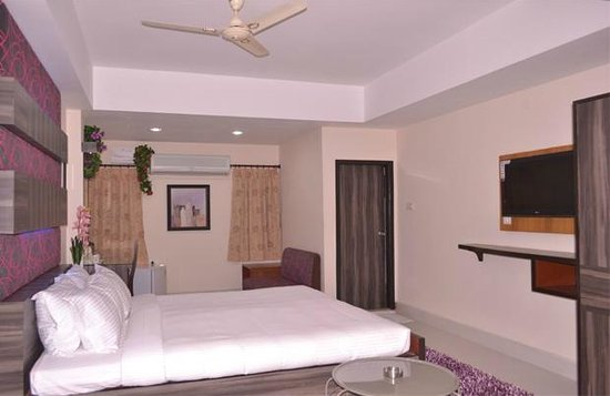 Hotel RK Residency