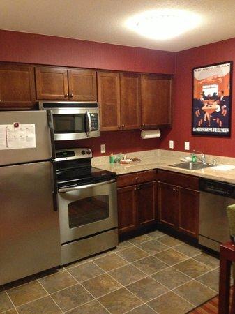 Residence Inn San Diego Rancho Bernardo/Scripps Poway: Kitchen area
