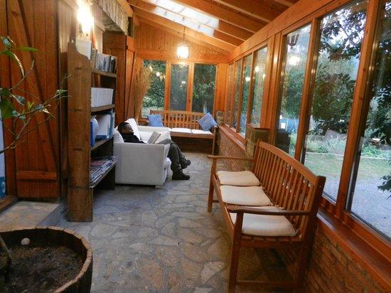 Hotel-Apartamentos de Montana Uson: Galería cubierta en zona común
