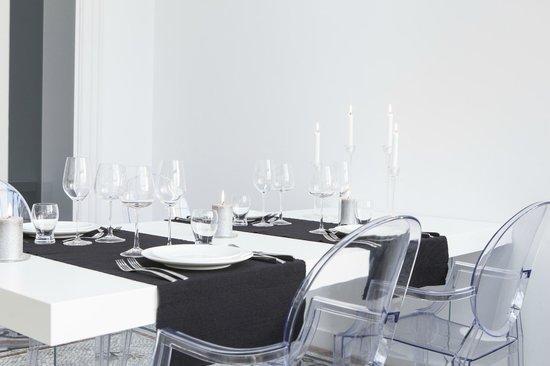 Sweet&Slow : Table d'hôtes (verrière principale)
