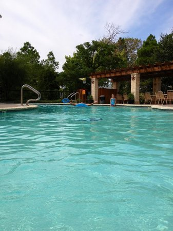 Yogi Bear's Jellystone Park North Texas: Front of camp pool