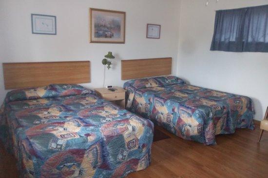 Majestic Motel: room3