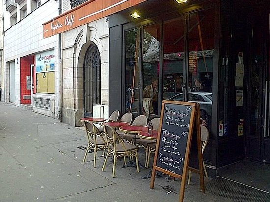 L 39 ext rieur picture of viaduc cafe paris tripadvisor for Bar exterieur paris