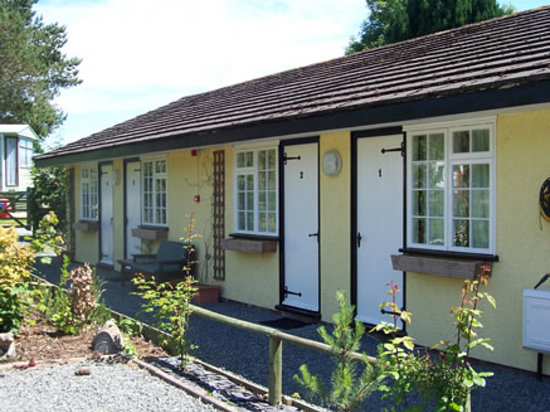 Barrs Country Park Ltd: Self Catering Cottages